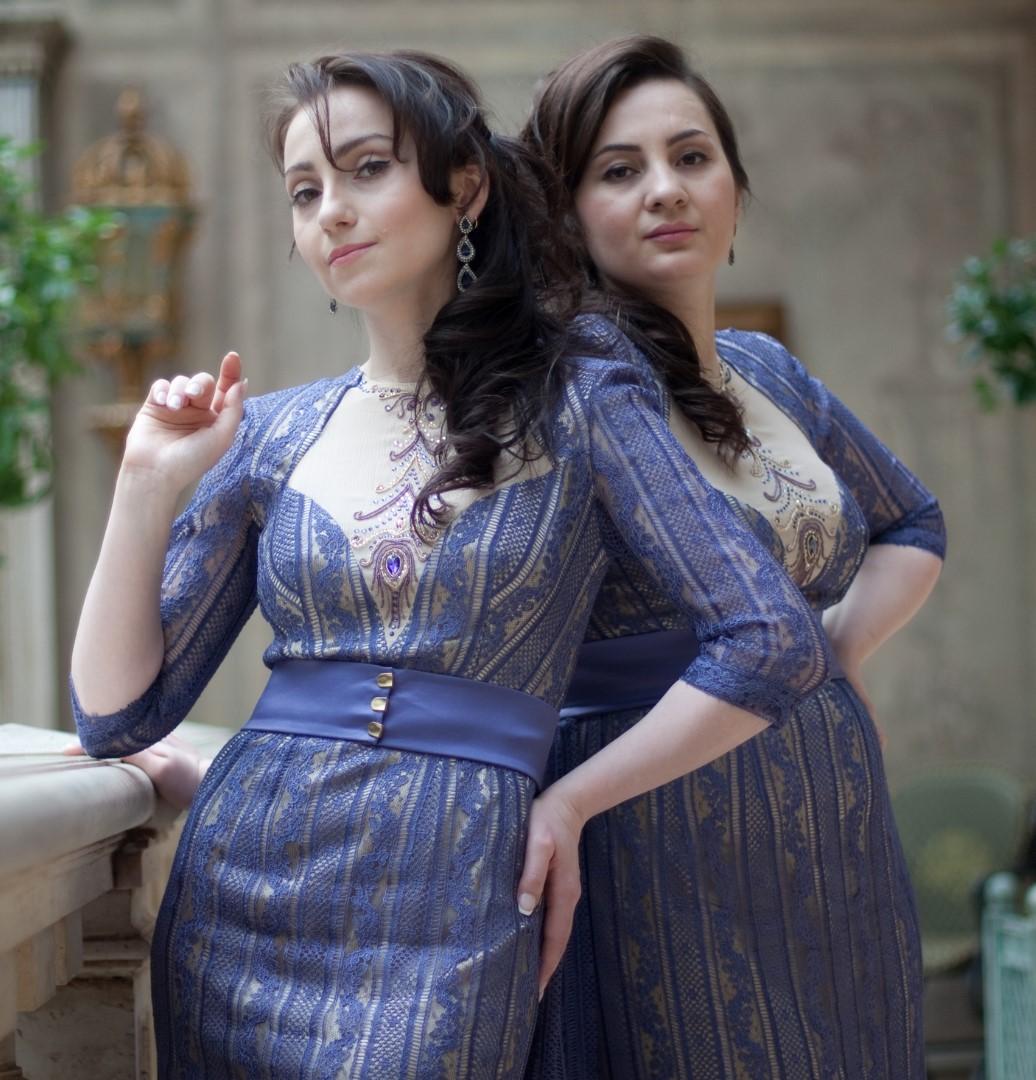 Portrait complet de Laura et Medni ARZHIEVA